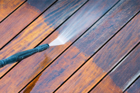 Deck fence cleaning